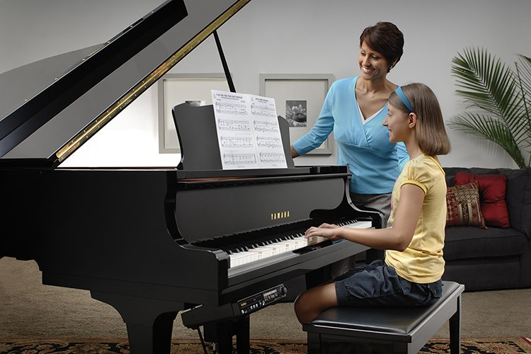 Disklavier_E3_Mother_Daughter-web